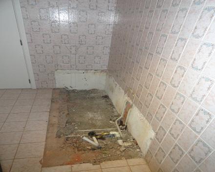 Volledige afbraak van bestaand bad.